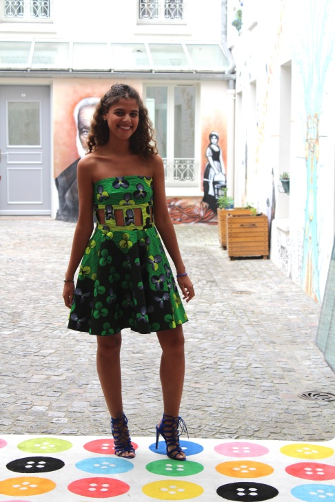 LA Robe Minikan portée par Camille