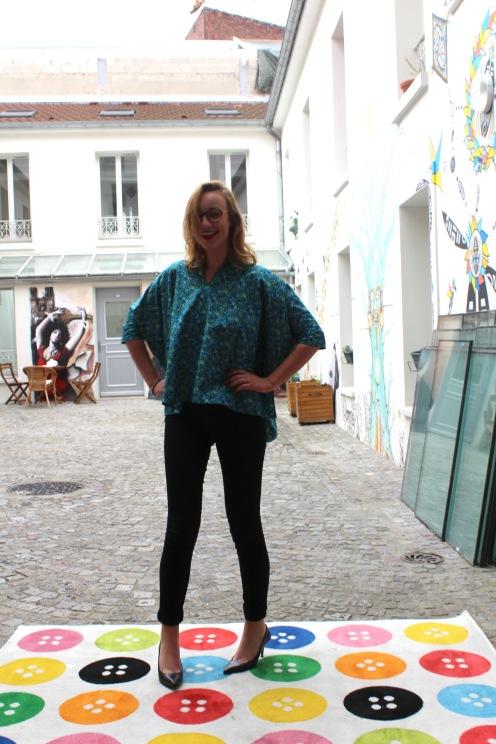 La blouse Naya portée par Camille